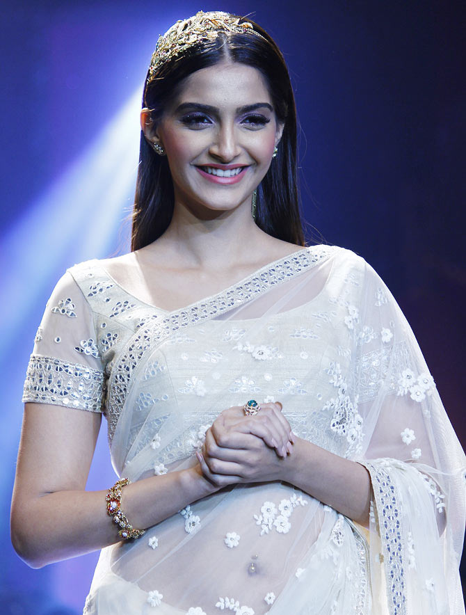 sonam kapoor cant do justice to what rekha did in