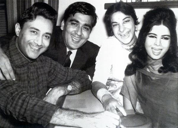 Dev Anand, Sunil Dutt, Nargis and Kalpana Kartik