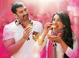 Aditya Roy Kapur and Parineeti Chopra in Dawaat-e-Ishq