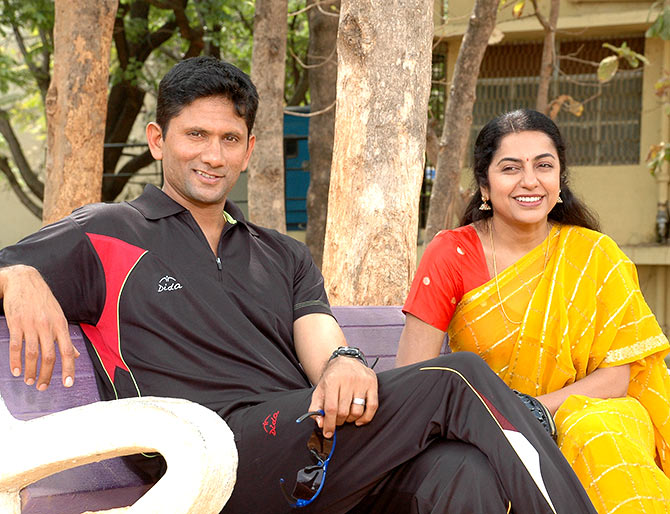 Venkatesh Prasad and Suhasini in Sachin... Tendulkar Alla