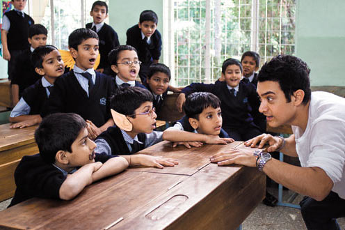 Darsheel Safary and Aamir Khan in Taare Zameen Par
