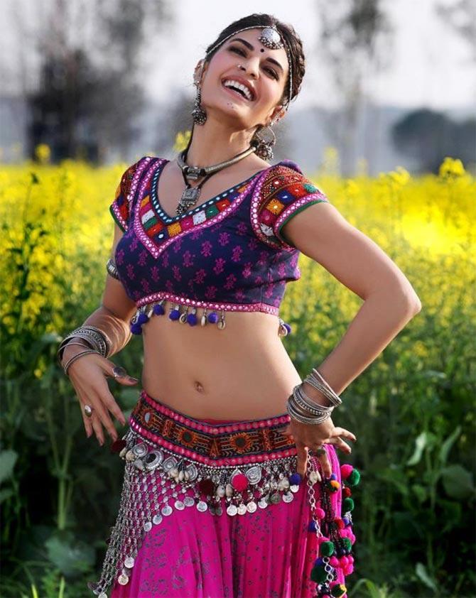 Jacqueline Fernandez in Ramaiya Vastavaiya