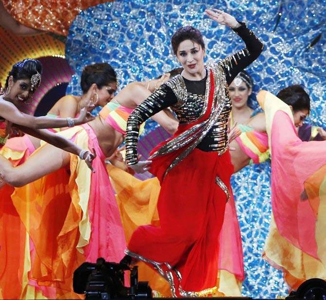 Madhuri Dixit performs at the IIFA awards 2014