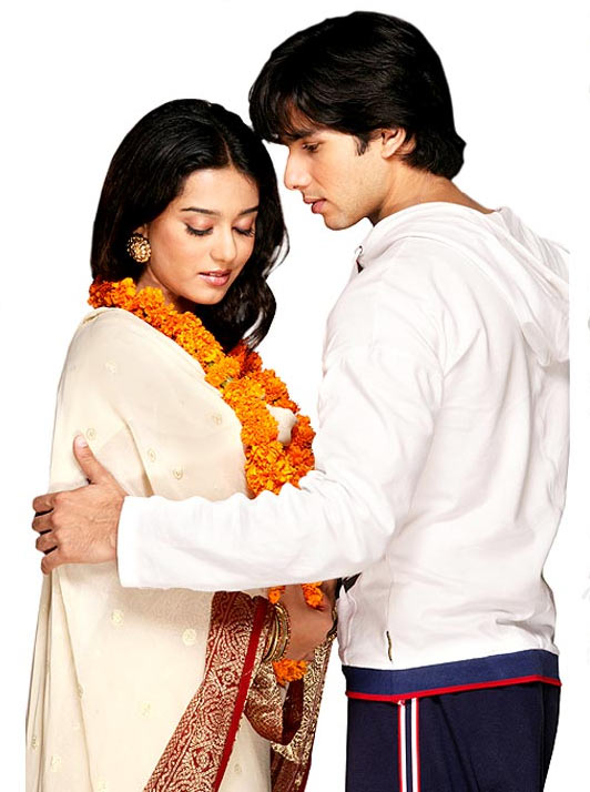 Amrita Rao and Shahid Kapoor in Vivah