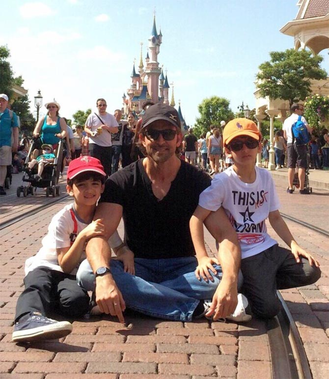 Hrithik Roshan with sons Hridhaan and Hrehaan
