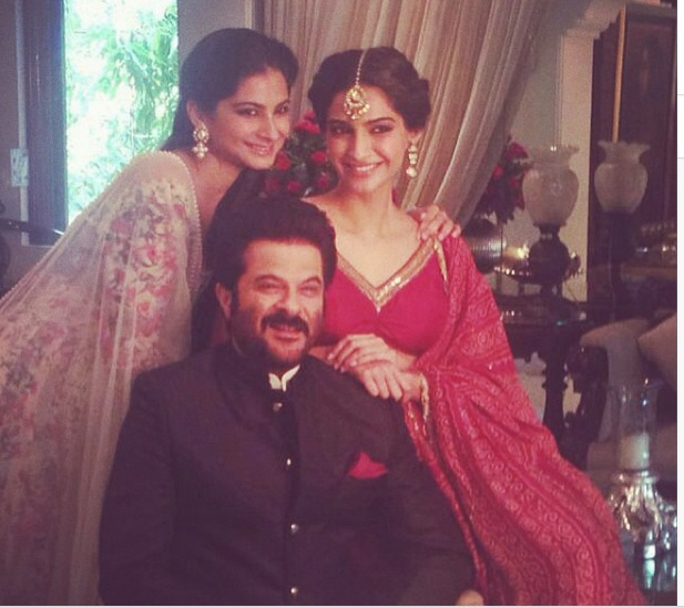 Sonam Kapoor with dad Anil Kapoor and younger sister Rhea Kapoor