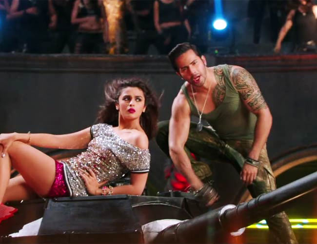 Alia Bhatt and Varun Dhawan in Humpty Sharma Ki Dulhaniya