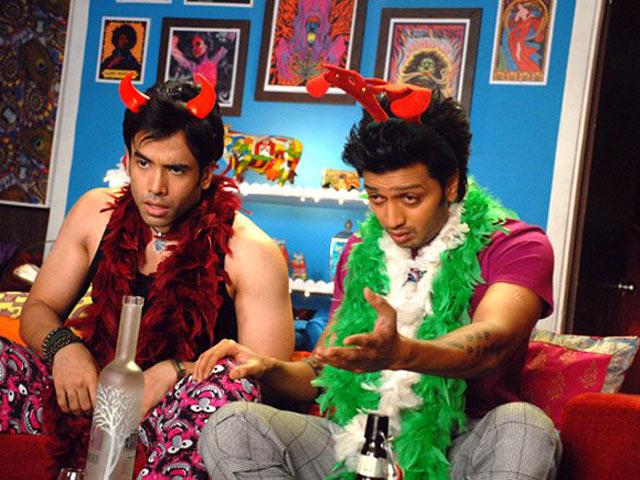 Tusshar Kapoor and Riteish Deshmukh in Kya Super Kool Hain Hum