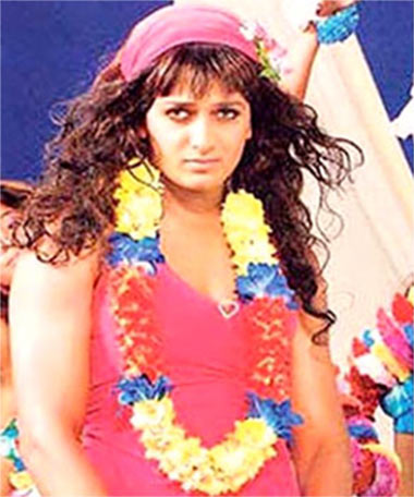 Riteish Deshmukh in Apna Sapna Money Money