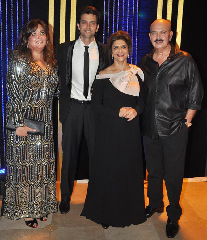 Sunaina, Hrithik, Pinkie, Rakesh Roshan