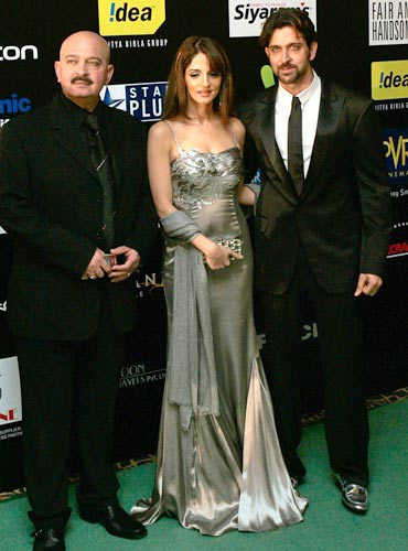 Rakesh Roshan, Hrithik Roshan along with ex-wife Sussanne