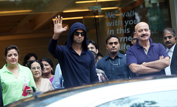Hrithik after his brain surgery along with dad Rakesh and sister Sunaina Roshan