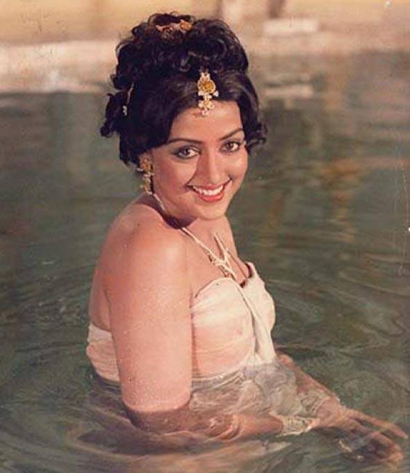 Hema Malini in Baghavat