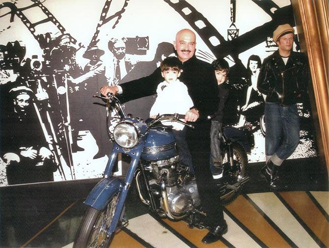 Rakesh Roshan with his grandchildren Hridaan and Hrehaan at Madame Tussauds