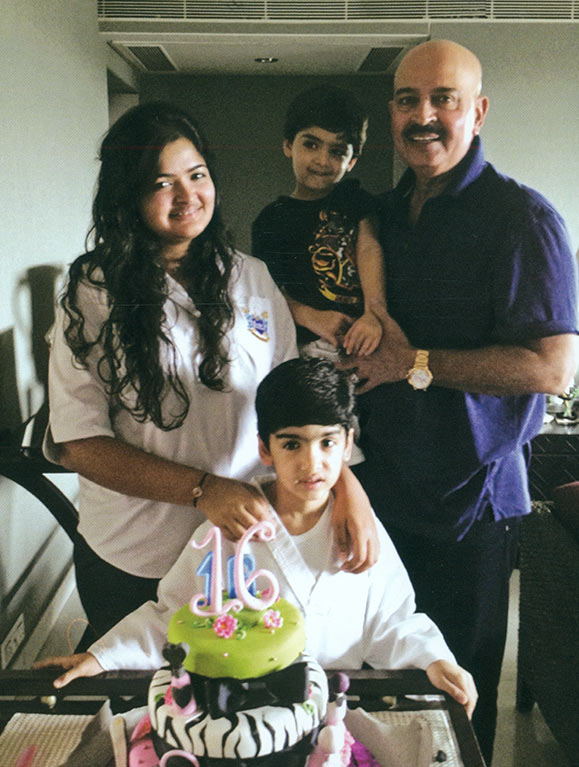 Rakesh Roshan with his grandchildren Suranika, Hrehaan and Hridhaan