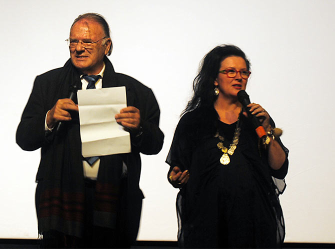Jury members Klaus Eder and Maxine Williamson announcing winners