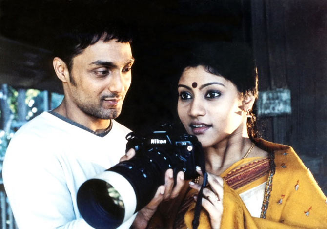 Rahul Bose and Konkana Sen Sharma in Mr and Mrs Iyer. Inset: Aparna Sen