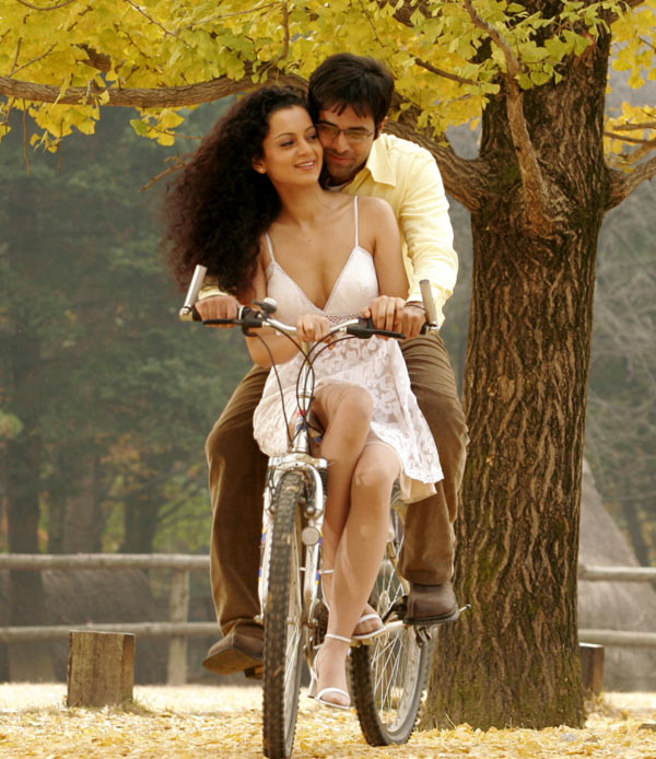 Kangna Ranaut with Emraan Hashmi in Gangster