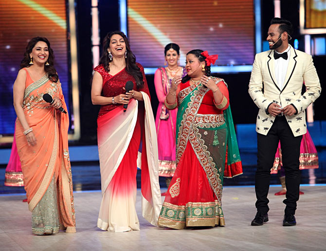 Madhuri Dixit, Juhi Chawla, Saloni and Andy at the finale of India's Got Talent