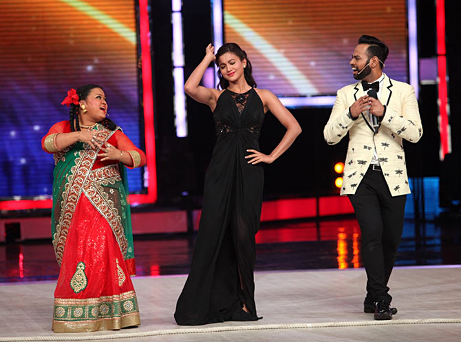 Saloni, Gauahar Khan and Andy at the finale of India's Got Talent
