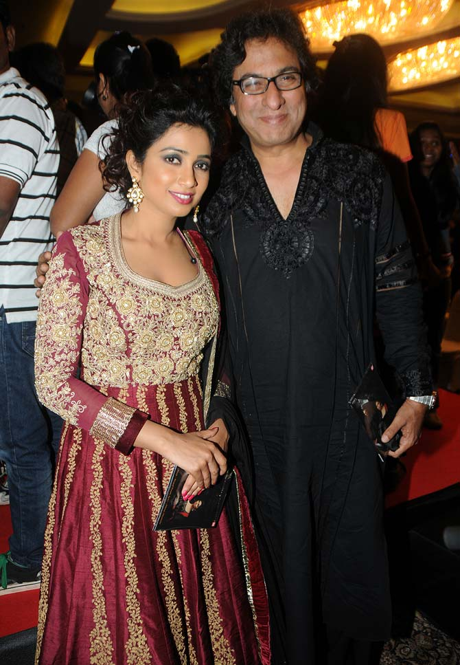 Shreya Ghoshal with Talat Aziz