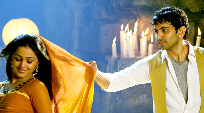 Krishna Madhav in Hrudayam Ekkadaunnadi