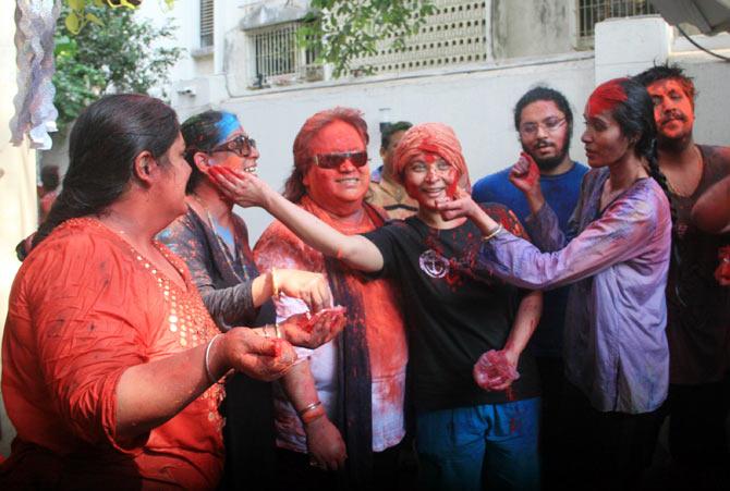 Rema, Chitrani Lahiri, Bappi Lahiri, Sharbani Mukherjee, Tanisha Verma, Bappa Lahiri