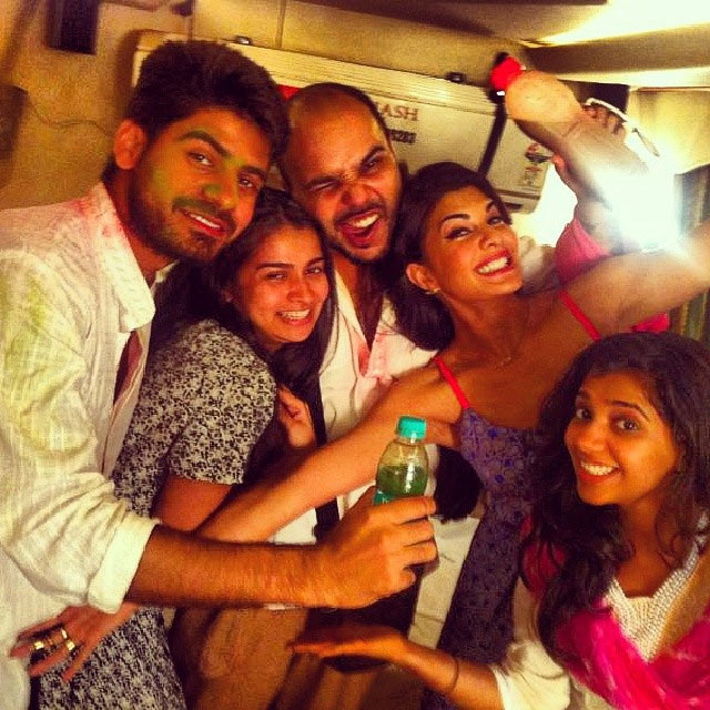Jacqueline Fernandez with her friends