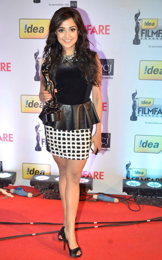 Monali Thakur at the Filmfare award function