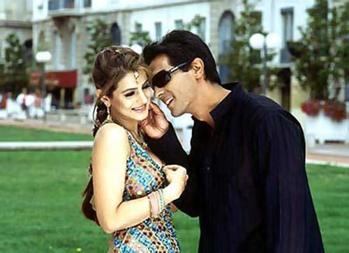Ameesha Patel and Arjun Rampal in Vaada