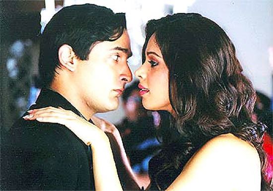 Akshaye Khanna and Mallika Sherawat in Shaadi Se Pehle