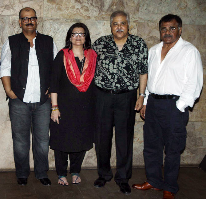 Director Sanjay Tripathy, Sarika, Satish Shah and Sharat Saxena