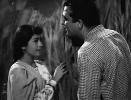 Nanda and Sunil Dutt in Aaha Rimjhim Ke Yeh Pyaare Pyaare Geet Liye from Usne Kaha Tha