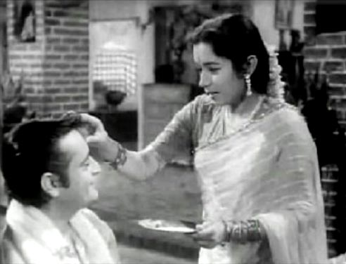 Rehman and Nanda in Bhaiyaa Mere Rakhi Ke Bandhan Ko Nibhaana from Chhoti Bahen
