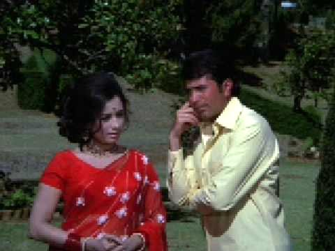 Rajesh Khanna and Nanda in Naino Mein Kajra Hai from Jooru Ka Ghulam
