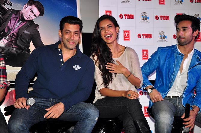 Salman Khan with Sarah Jane Dias and Pulkit Samrat