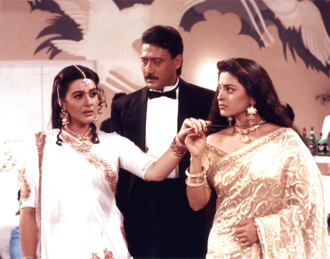 Amrita Singh, Jackie Shroff and Juhi Chawla in Aaina