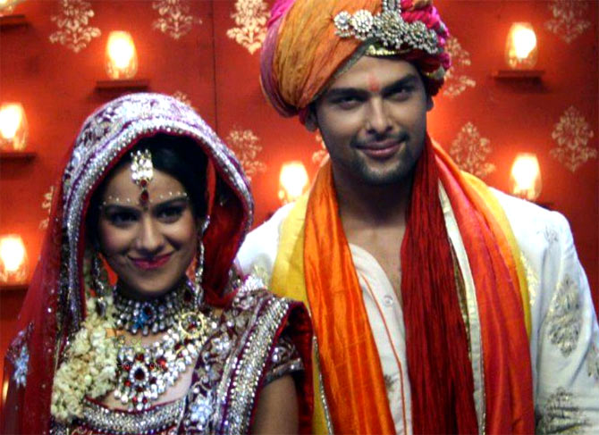 Nia Sharma and Kushal Tandon in Ek Hazaaron Mein Meri Behna Hai