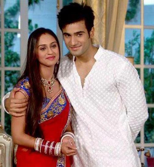 Krystle D'Souza and Karan Thacker in Ek Hazaaron Mein Meri Behna Hai