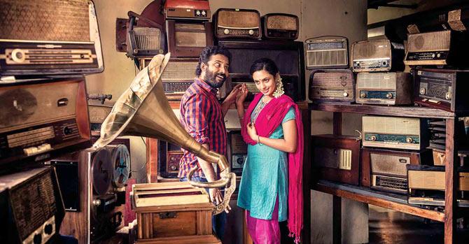 Attakathi Dinesh and Malavika Nair in Cuckoo
