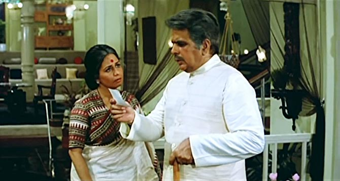 Nanda and Dilip Kumar in Mazdoor