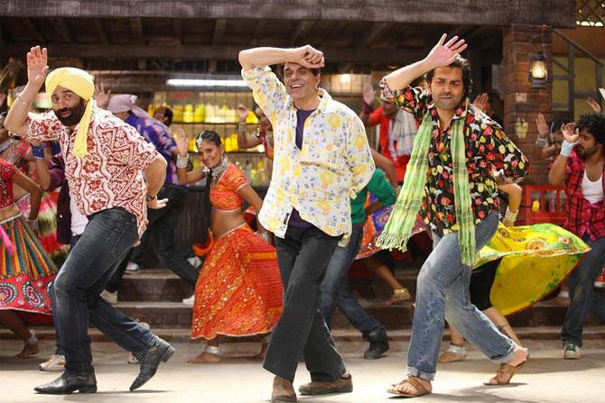 Sunny Deol, Dharmendra and Bobby Deol in Yamla Pagla Deewana