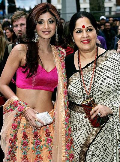 Shilpa Shetty with her mother Sunanda Shetty