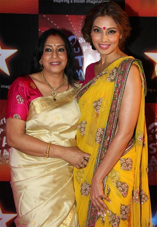 Bipasha Basu with her mother Mamta Basu