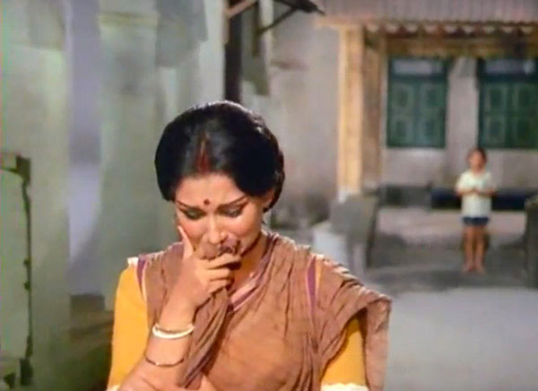 Sharmila Tagore in Amar Prem