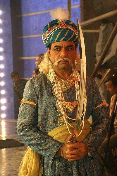 Paresh Rawal in Maan Gaye Mughal-E-Azam