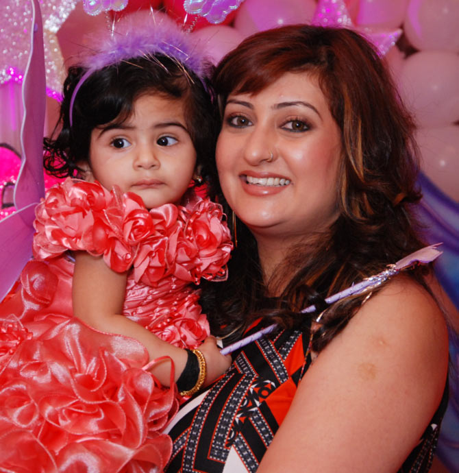 Juhi Parmar with her daughter Samairra