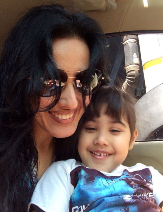Kamya Punjabi with her daughter Aara