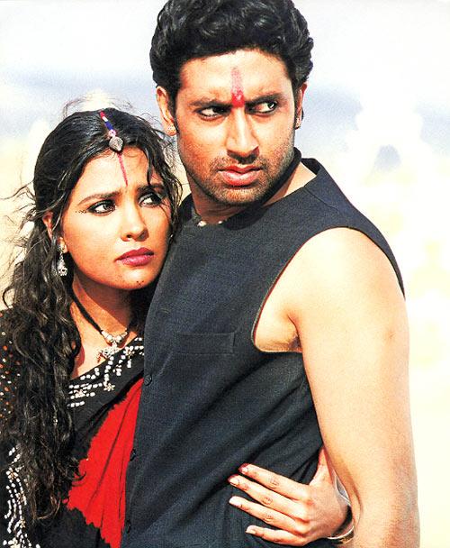Lara Dutta and Abhishek Bachchan in Mumbai Se Aaya Mera Dost
