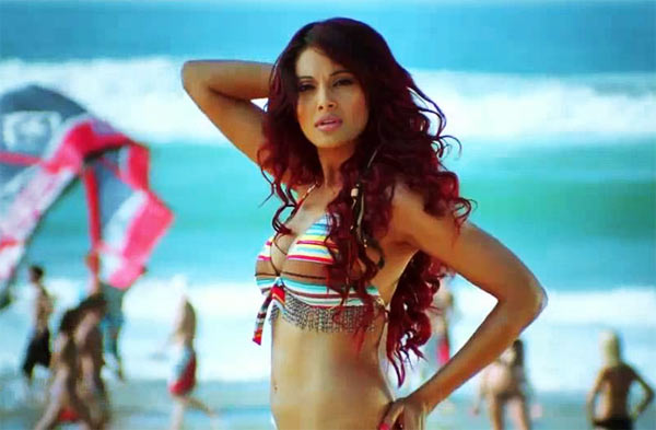 Bipasha Basu in Dhoom 2